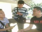Kasat Reskrim Polres BS saat di wawancarai wartawan