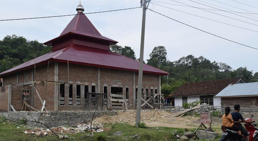 Salah satu Masjin yang dibangun PT DPP melalui kegiatan CSR