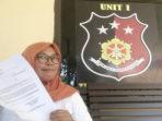 Sri Hartati Tunjukan Surat Undangan Polisi