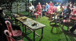 Warga Desa Bt Kuning Rapat Tuntut Kades Mundur